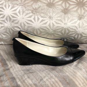 Anne Klein black leather wedge pump size 8.5